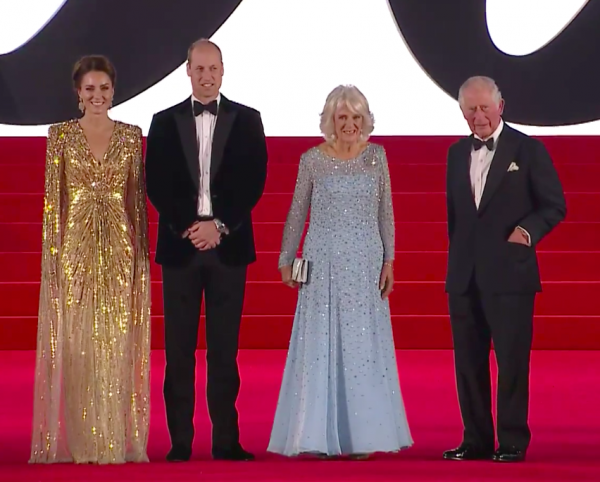Kate glitters in gold for James Bond premiere
